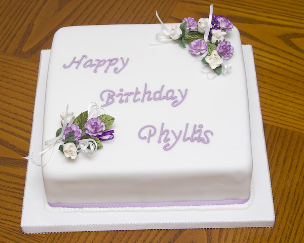 Birthday Cake Designs In Square : BIRTHDAY CAKES Derbyshire & Nottinghamshire Birthday ...